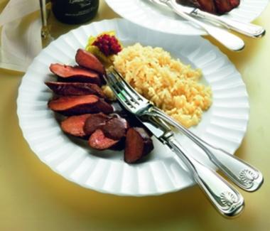 Hasen-Rücken-Filet tiefgefroren, ohne Knochen,Gastro-Zuschnitt, vak.-verp., tiefgefroren ca. 1kg-Packung Das tiefgek