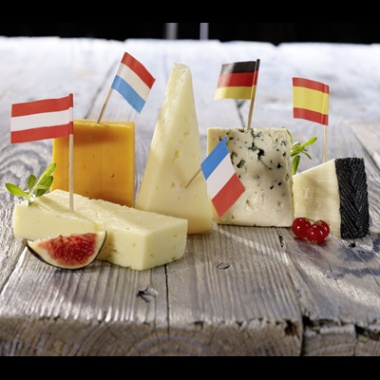 Europäische Käseauswahl: Pyreneen Käse, Mimolette, Havarti, Bergader Edelpilz & Iberico 220 g
